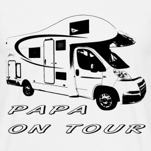 Papa on tour T-Shirts - Männer T-Shirt