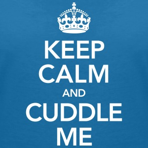 Keep Calm And Cuddle Me T-shirts - T-shirt med v-ringning dam