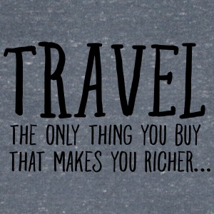 Travel  Makes You Richer.... T-shirts - Mannen T-shirt met V-hals