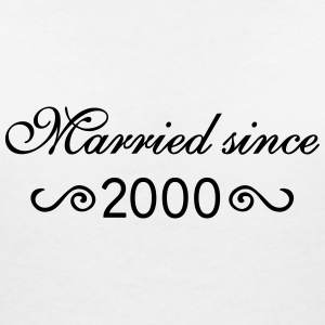 Married since 2000 T-Shirts - Frauen T-Shirt mit V-Ausschnitt