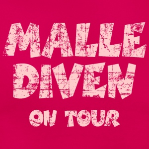 Malle Diven On Tour T-Shirt (Pink) - Frauen T-Shirt