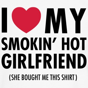 I Love My Smokin' Hot Girlfriend (She Bought...) T-shirts - Kontrast-T-shirt herr