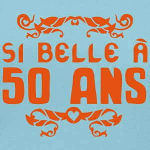 50 ans anniversaire si belle fioriture Tee shirts - T-shirt col rond U Femme