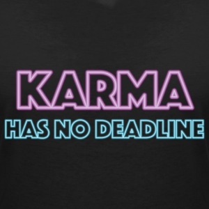 Karma has no deadline T-shirts - Vrouwen T-shirt met V-hals