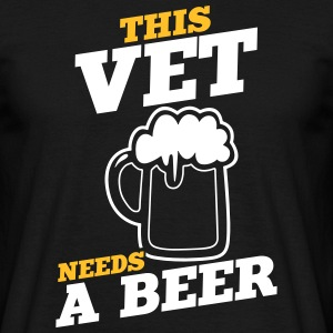 this vet needs a beer - Männer T-Shirt