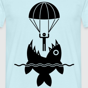 Parachutist with fish / Fallschirmspringer mit Fis - Men's T-Shirt