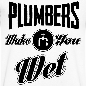 Plumbers make you wet Tee shirts - T-shirt Homme col V