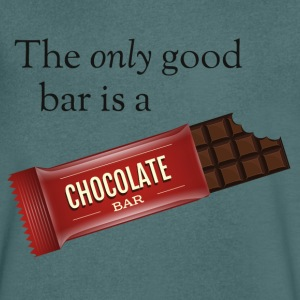 The only good bar is a chocolate bar T-Shirts - Männer T-Shirt mit V-Ausschnitt