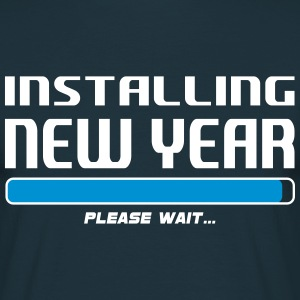 installing new year T-Shirts - Mannen T-shirt