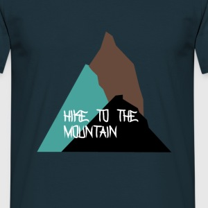 hike to the mountain Tee shirts - T-shirt Homme