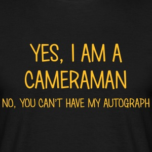 cameraman yes no cant have autograph t-shirt - Men's T-Shirt