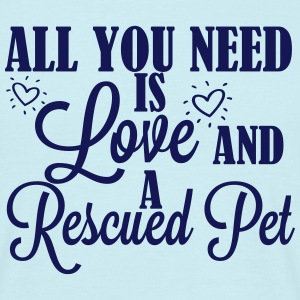 Love and a rescued pet T-Shirts - Männer T-Shirt