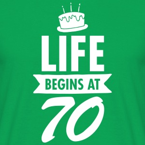 Life Begins At 70 T-Shirts - Männer T-Shirt