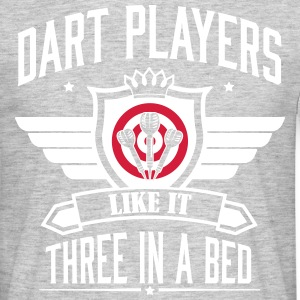 Dart players like it 3 in a bed T-shirts - Mannen T-shirt