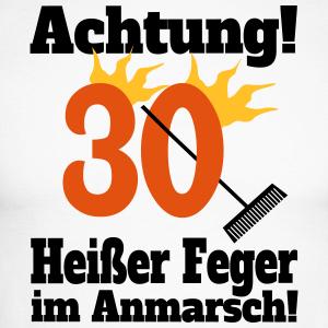 """Geburtstag T-Shirts mit """"30 Heißer Feger"""""""
