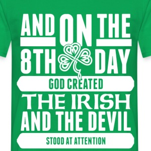 The 8th day Irish png - Men's T-Shirt