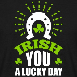 St. Patrick'S Day: IRISH U A LUCKY DAY T-Shirts - Männer T-Shirt