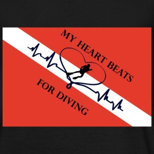 My heart beats for diver - Männer T-Shirt