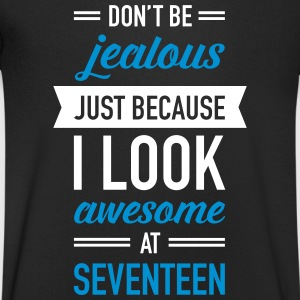 Awesome At Seventeen T-shirts - Mannen T-shirt met V-hals