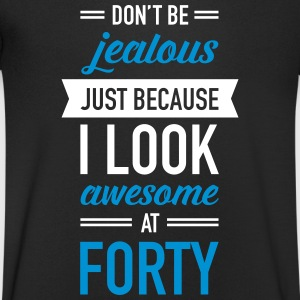 Awesome At Forty T-shirts - Mannen T-shirt met V-hals