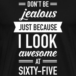 Awesome At Sixty-Five T-shirts - Mannen Premium T-shirt
