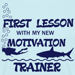 First Lesson - Motivation Trainer Camisetas - Camiseta hombre
