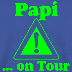 Vatertag ,Papi on Tour Pullover & Hoodies - Männer Pullover