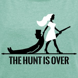 The hunt is over JGA Junggesellenabschied Party T-Shirts - Frauen T-Shirt mit gerollten Ärmeln