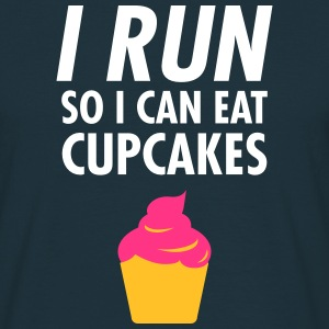 I Run - So I Can Eat Cupcakes T-Shirts - Männer T-Shirt