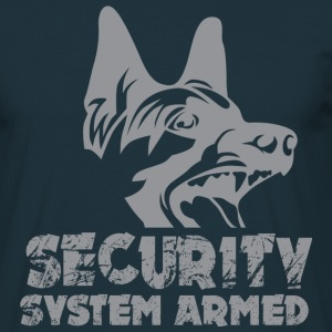 Security System Armed T-Shirts - Männer T-Shirt