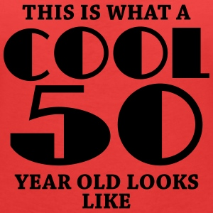 This is what a cool 50 year old looks like T-Shirts - Frauen T-Shirt mit V-Ausschnitt