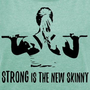 Strong is the new skinny T-skjorter - T-skjorte med rulleermer for kvinner