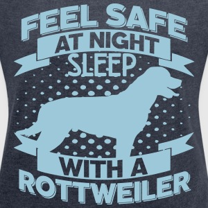 Feel safe at night T-Shirts - Women's T-shirt with rolled up sleeves
