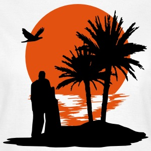 Sunset - Sonnenuntergang - Love on the Beach - Frauen T-Shirt