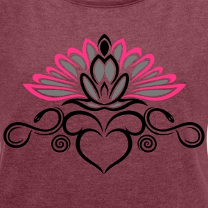 Lotus Yoga, infinity T-Shirts - Women's T-shirt with rolled up sleeves