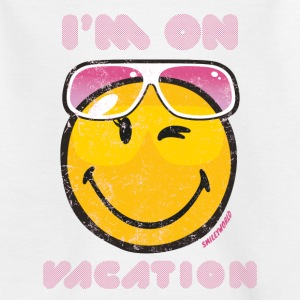 Smiley World I'm on vacation Teenager T-Shirt - Teenager T-Shirt