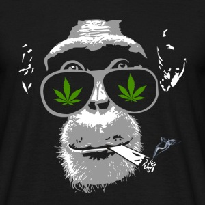 Chimpanzee with joint - Marijuana T-shirts - T-shirt herr