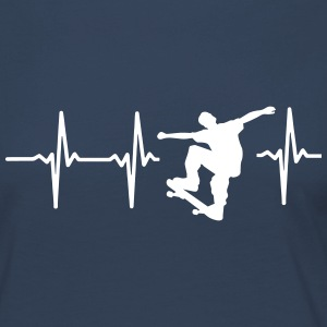 MY HEART BEATS FOR SKATEBOARDING! Long Sleeve Shirts - Women's Premium Longsleeve Shirt