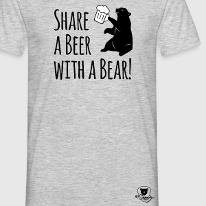 Share a Beer with a Bear T-Shirts - Männer T-Shirt