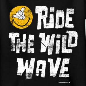 Smiley World Ride the wild wave Teenager T-Shirt - Teenager T-Shirt