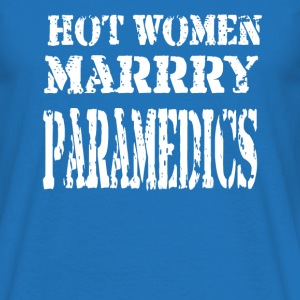 Hot Women - Paramedics - Men's T-Shirt