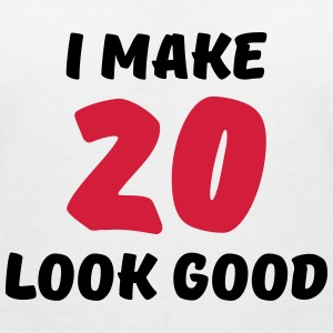 I make 20 look good Camisetas - Camiseta con escote en pico mujer