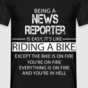 News Reporter T-Shirts - Men's T-Shirt