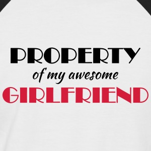 Property of my awesome girlfriend Camisetas - Camiseta béisbol manga corta hombre