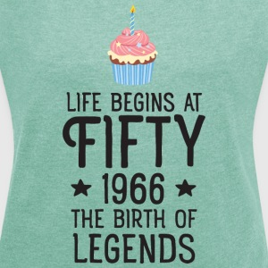 Life Begins AT Fifty...(Cupcake) T-shirts - Dame T-shirt med rulleærmer