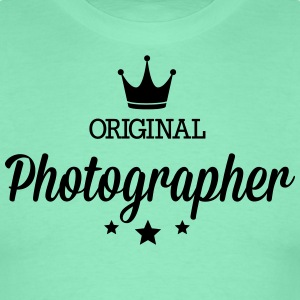 Original three star deluxe photographer T-Shirts - Men's T-Shirt