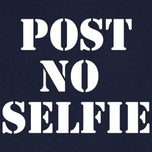 Post no Selfie T-shirts - Mannen T-shirt met V-hals