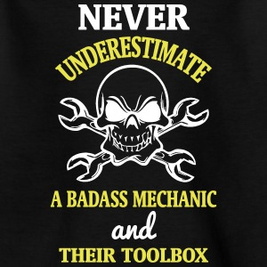 NEVER UNDERESTIMATE A MECHANIC TOOL Shirts - Teenage T-shirt