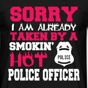 smokin hot police officer - Men's T-Shirt
