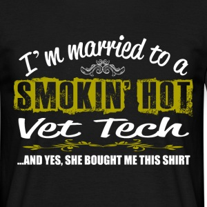 smokin hot vet tech T-Shirts - Men's T-Shirt